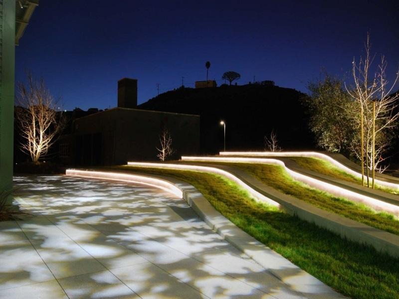 освещение декоративное подпорных стенок